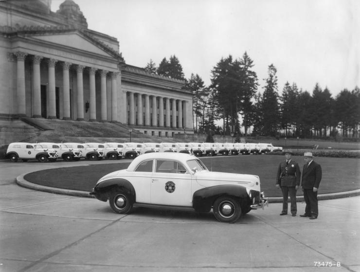 1938-39 Ford Cpe Gov&Chief2